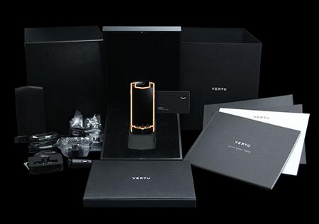 Комплектация телефона Vertu Ti Titanium Red Gold